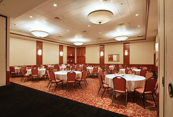 Hotel Mead & Conference Center: Riverside Ballroom ready for the event