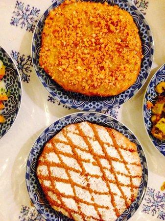 Le Patio Bleu : The best Pastillas in Fes! No kidding.