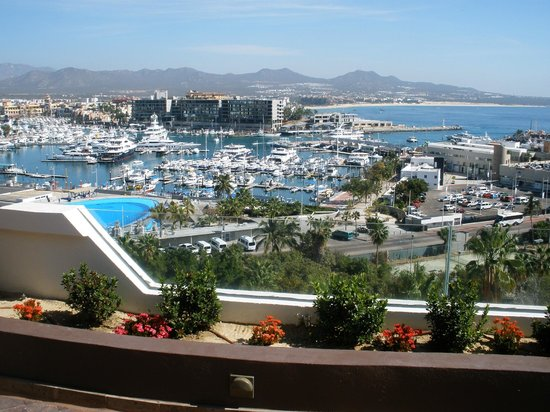 Sandos Finisterra Los Cabos: View of the marina from Cupcake Cafe