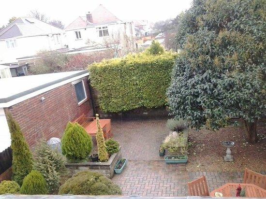 Merton House: Pequeno jardim.