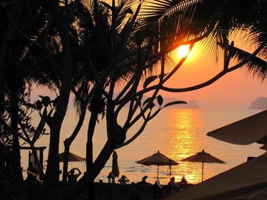 Amari Vogue Krabi : Amazing sunset