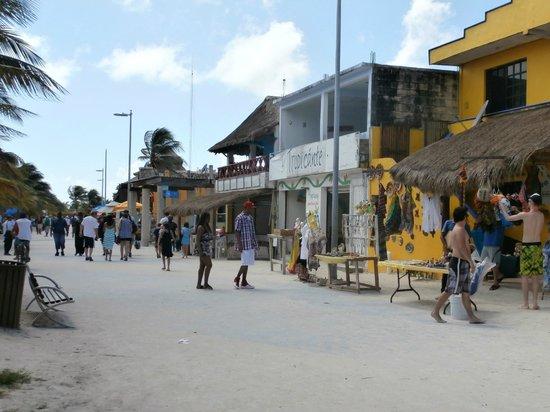 Tropicante Ameri-Mex Grill: shanty town