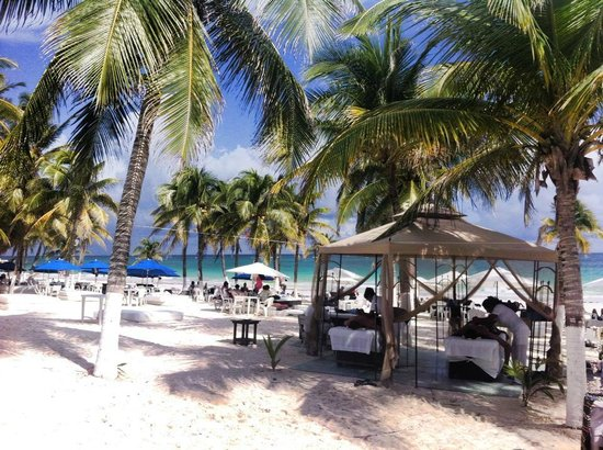 El Paraiso Restaurant And Beach Club Enjoy A Mage While You Visit
