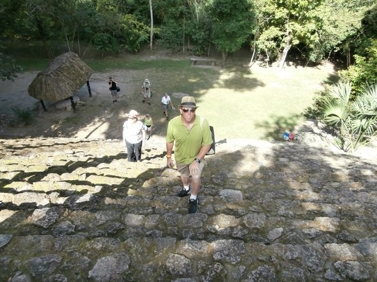 The Native Choice Tours: Climbing the stairs / suffering for the sun god