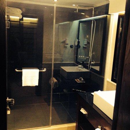 Cleopatra Luxury Resort Sharm El Sheikh: Bathroom
