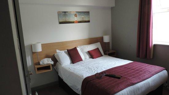 Bay Esplanade Hotel: Bed