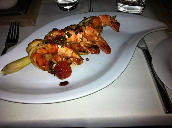 Tao's Restaurant, Lounge and Bar : Marinated Shrimp speared by lemongrass at Tao's