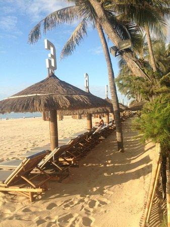 Bamboo Village Beach Resort & Spa: beach