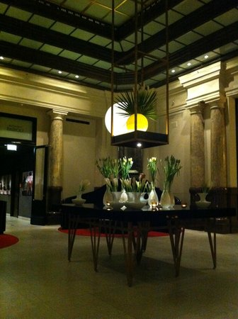 Hotel de Rome: hall