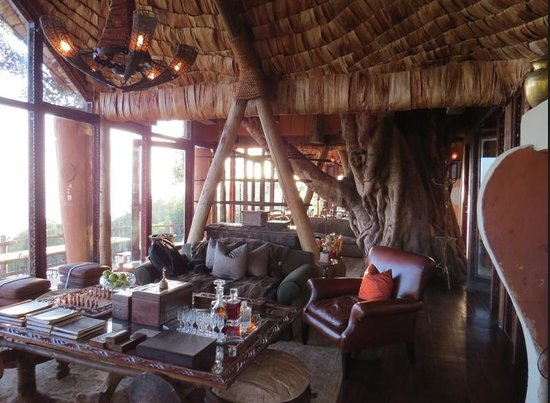 andBeyond Ngorongoro Crater Lodge: Cozy living room