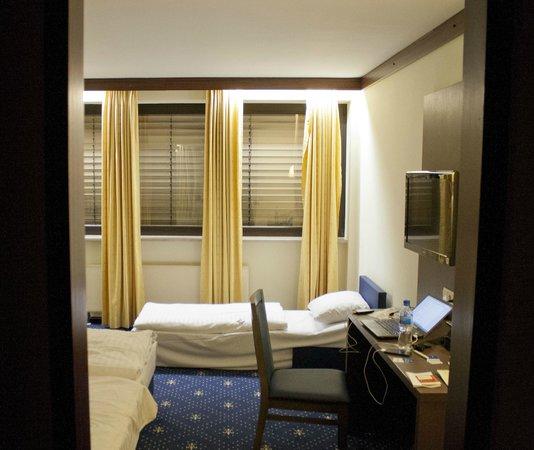 Novum Hotel Imperial Frankfurt Messe: Room