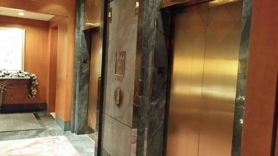 The Wagner at the Battery: The elevators
