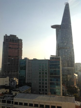 Liberty Central Saigon Riverside Hotel: View of the Bitexco Financial Tower from 15th floor hallway.