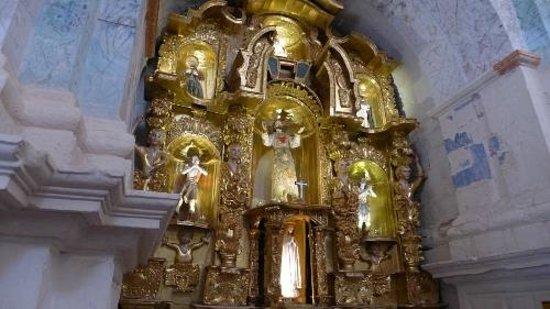Catedral del Cuzco o Catedral Basílica de la Virgen de la Asunción: At the alter