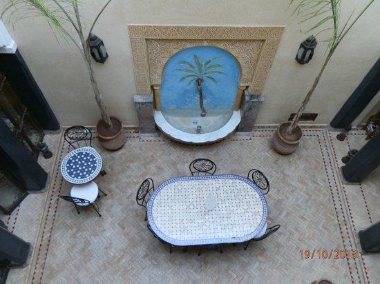 riad bianca : Vista del patio central desde la habitación