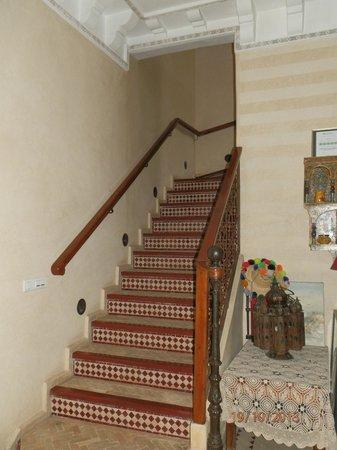 riad bianca : Escaleras a las habitaciones