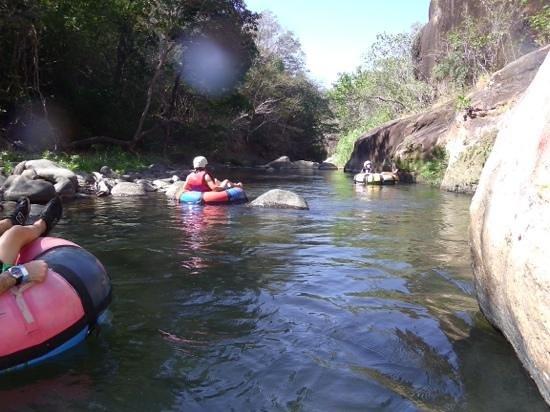 Canyon de la Vieja Lodge: Tubing