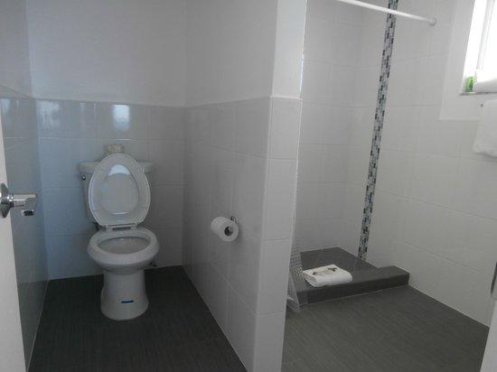 snooze: bathroom in 301 ocean view king