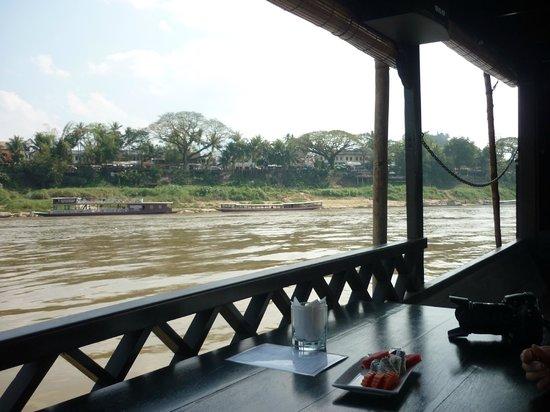 Nava Mekong: Small fruit platter for dessert