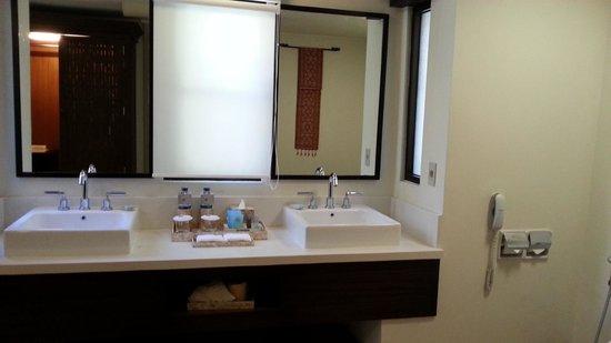 Novotel Lombok: Sasak villa bathroom