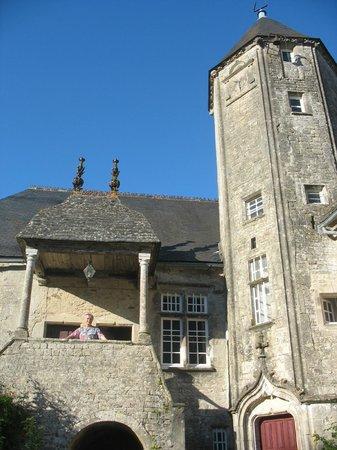 Chateau de Flottemanville : fenêtre et péron de notre chambre