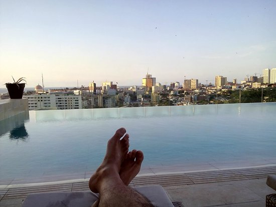 Hotel Alvalade: Sunset at pool (level 1 - Terrace)
