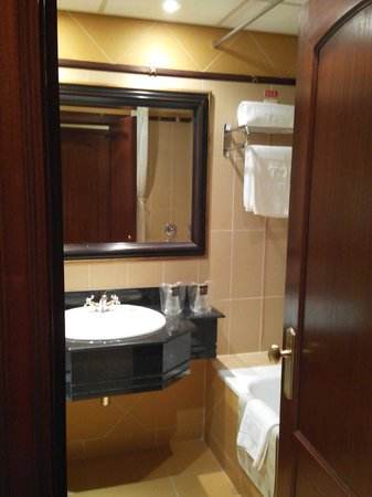 Hotel Alvalade : view bathroom