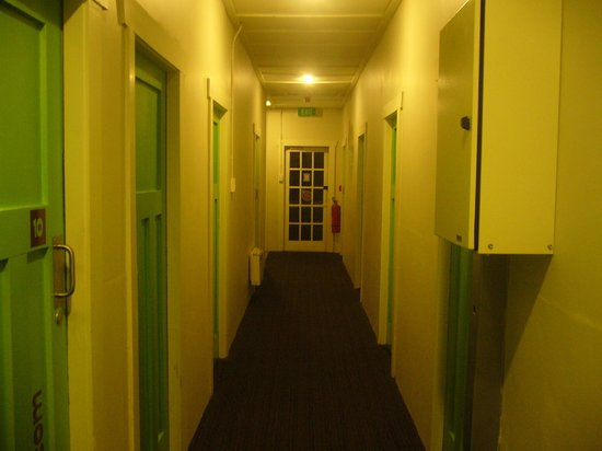 Jucy Snooze: 廊下