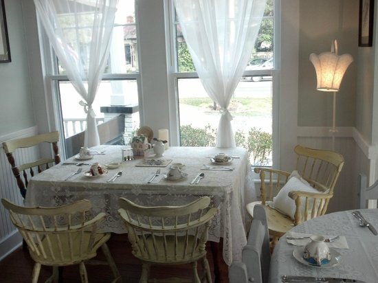 Southport Tea House: Shabby Chic decor