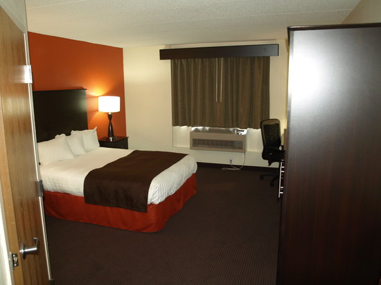 AmericInn Hotel & Suites Apple Valley: Large King Suite