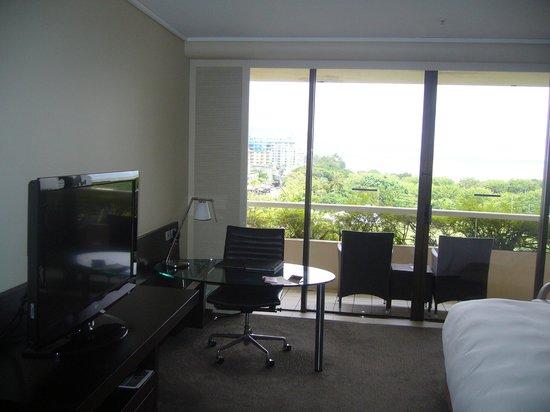 Hilton Cairns: 部屋1