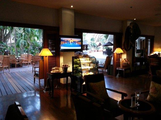AVANI Pattaya Resort & Spa: ホテル内カフェ