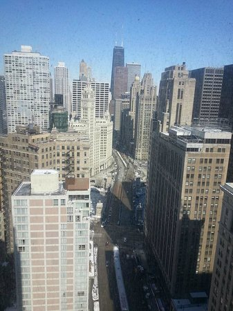 Hard Rock Hotel Chicago : Looking North on Michigan Ave. from 31st Floor