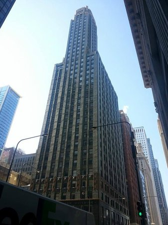 Hard Rock Hotel Chicago : The Carbide and Carbon building