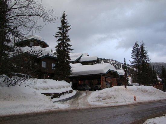 Kandahar Lodge front