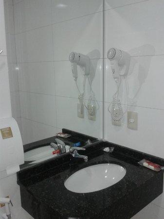 Tarobá Hotel: Baño impecable