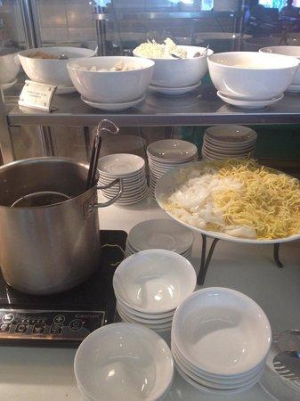 Dorsett Kuala Lumpur : 自分でラーメンを作ります。