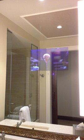 River City Casino & Hotel : TV in the bathroom mirror