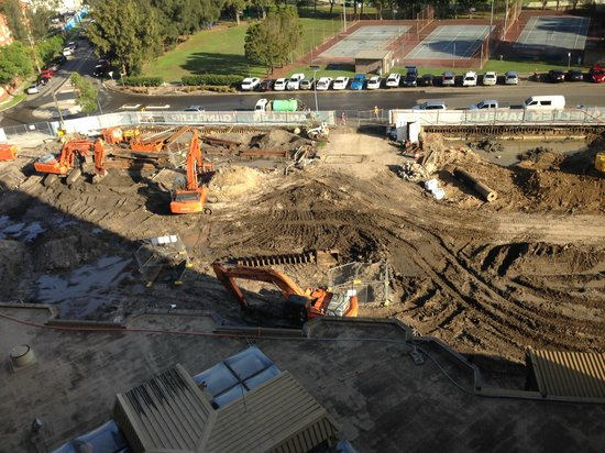 Mercure Sydney International Airport: the building site next to the Hotel