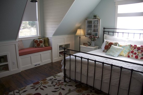 "The Red Farmhouse Bed and Breakfast: The ""Brooke"" Room"