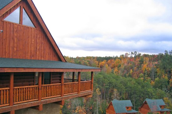 Bear Creek Crossing Resort: Beautiful in any season