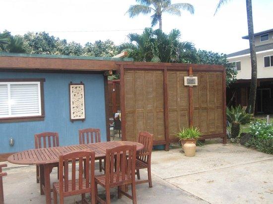 Tiki Moon Villas : Outside of the Coco