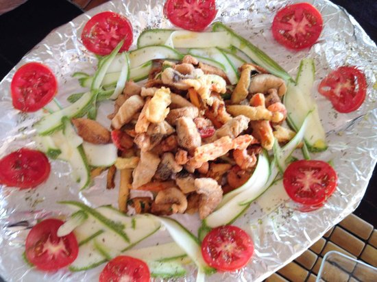 Kabah-na Eco Resort: Marco's mixed fried seafood tempura--yum!