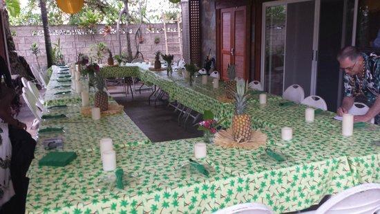Tiki Moon Villas: Lanai set up for the party