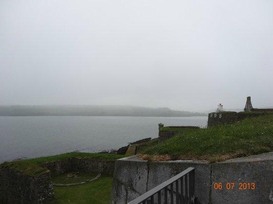 Fortaleza Charles Fort: farol