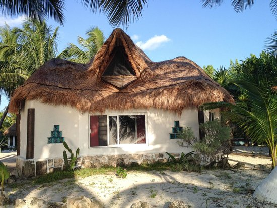 Kabah-na Eco Resort : our great sea-view cabana!