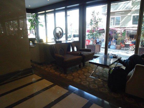 Titanic City Hotel: lobby