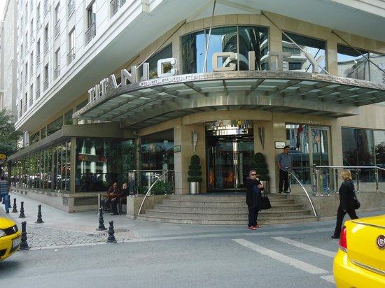 Titanic City Hotel: vue d'exterieure de l'hotel