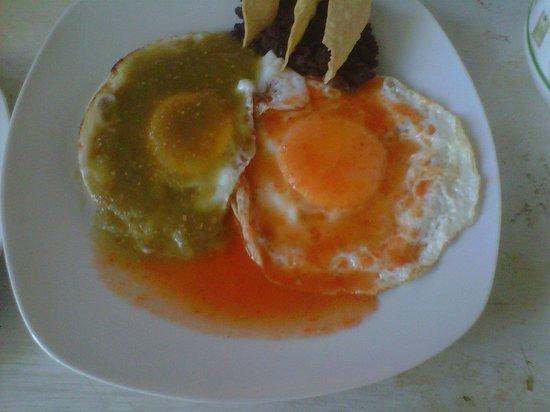 restaurant de leo: huevos divorciados