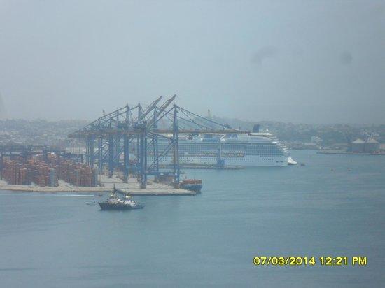 Cartagena Premium Hotel : vista  de 1 de los cruceros!